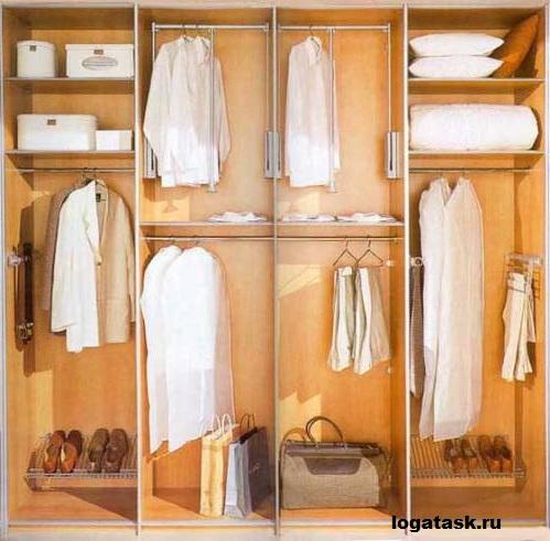 Если глубина шкафа-купе достигает 600 см, можно расположить параллельно две штанги для рубашек.
